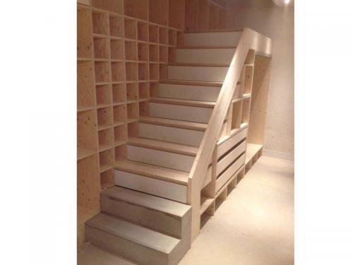 Handige trap met vakken